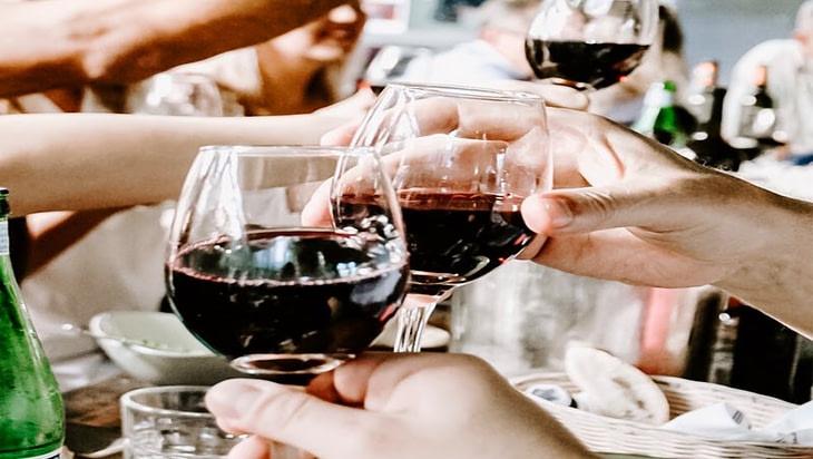 5 Common Myths About Alcoholism